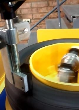 Maquina cortadora de talones de cubiertas, Ingenieria VUK, venado tuerto