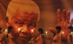 Multitudinario y emotivo adiós a Mandela: Más de 90 presidentes en el funeral, Semanario La Nueva Voz Regional, teodelina