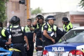 Tucumán: dictan prisión preventiva para 8 policías por los saqueos, Semanario La Nueva Voz Regional, teodelina