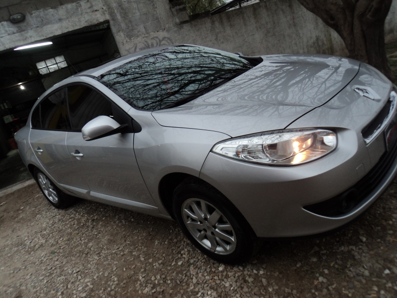 RENAULT FLUENCE ABRILLANTADO, CAR DETAILED, venado tuerto